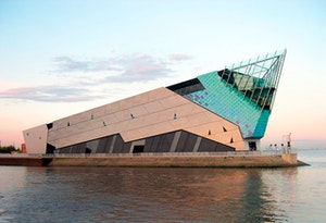 Thedeephull660427
