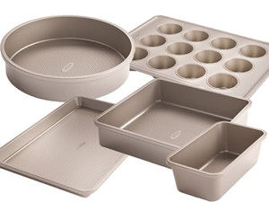 Oxo loaf muffin oven tray cake tins competition
