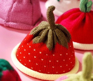 Strawberry kit with hat 1
